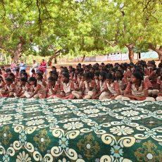 கல்வி ஆண்டு 2019-2020 க்கான சீருடை 18-07-2019 அன்று  வழங்கப்பட்டது.